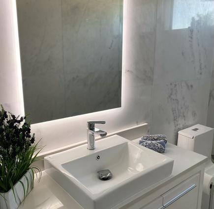 Modern & Stylish Bathrooms