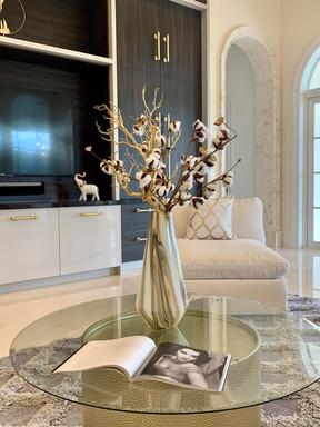 Luxurious & Stylish Great Room
