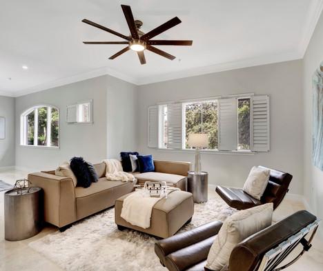 Chic & Modern Living Room