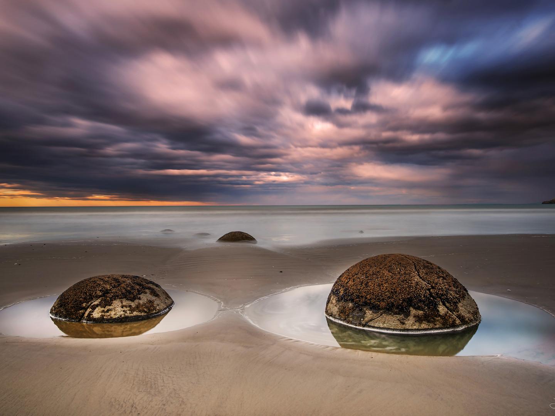 Moeraki boulders - sunset 2