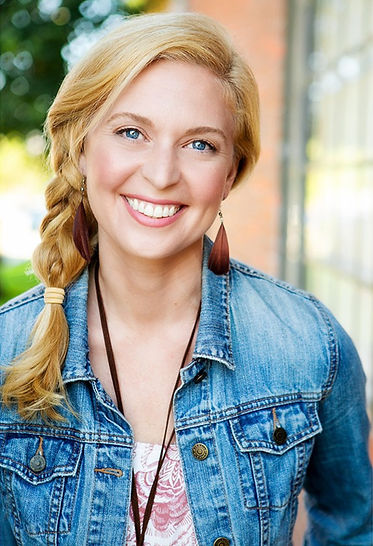 Abby's%20Headshot%20Commercial_edited.jp