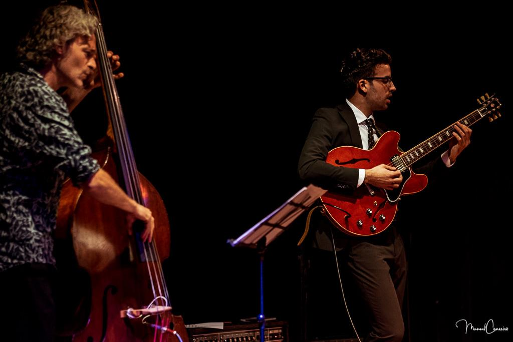 w/ Joan Masana (Double Bass). Photo by Manuel Couceiro.