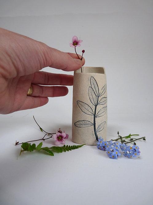 Small leaf printed vessel