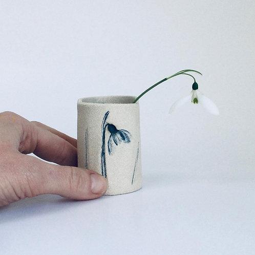 Seasonal snowdrop vase limited edition 2021 (1)