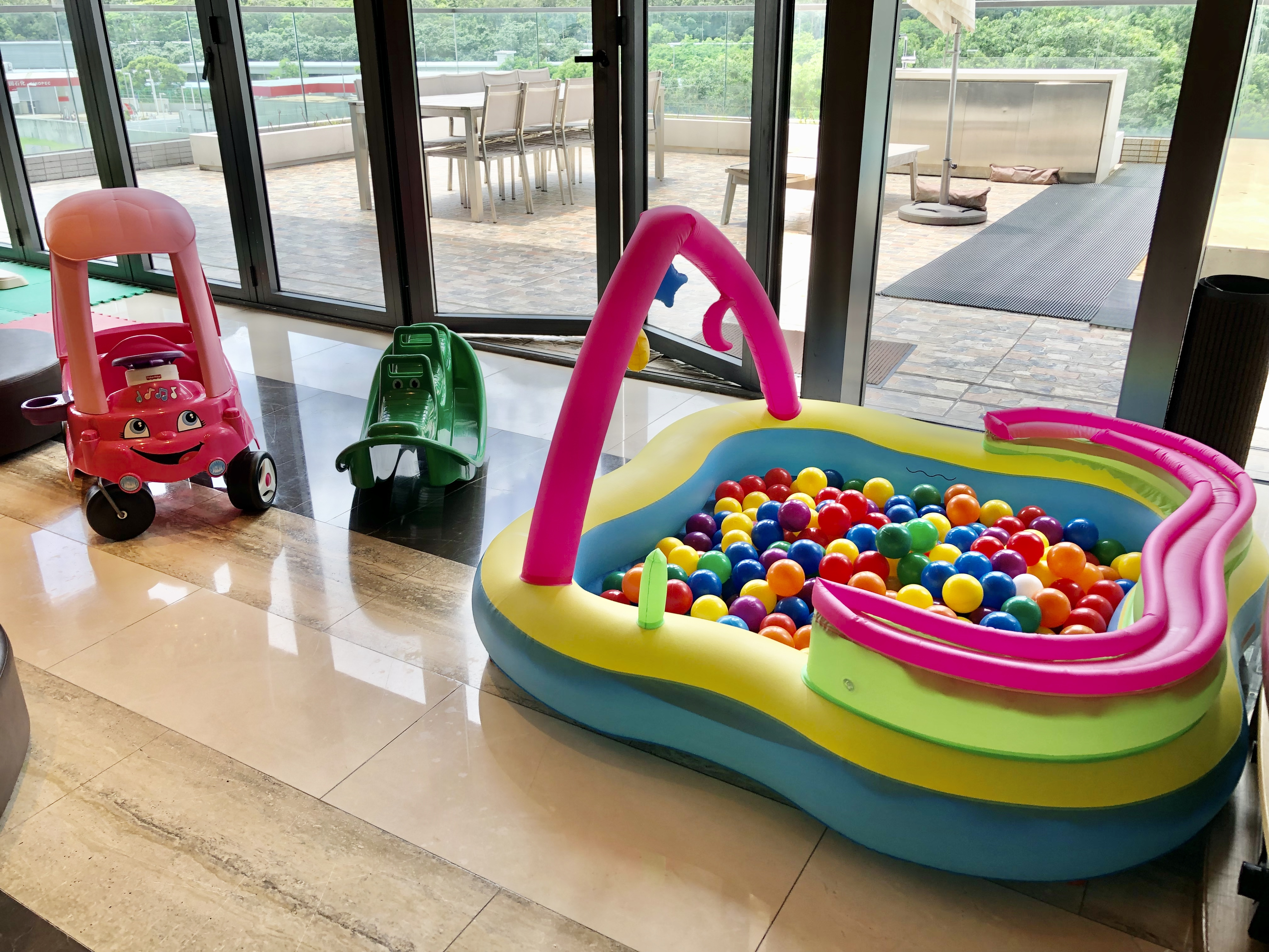 Rainbow Rolling Play Center