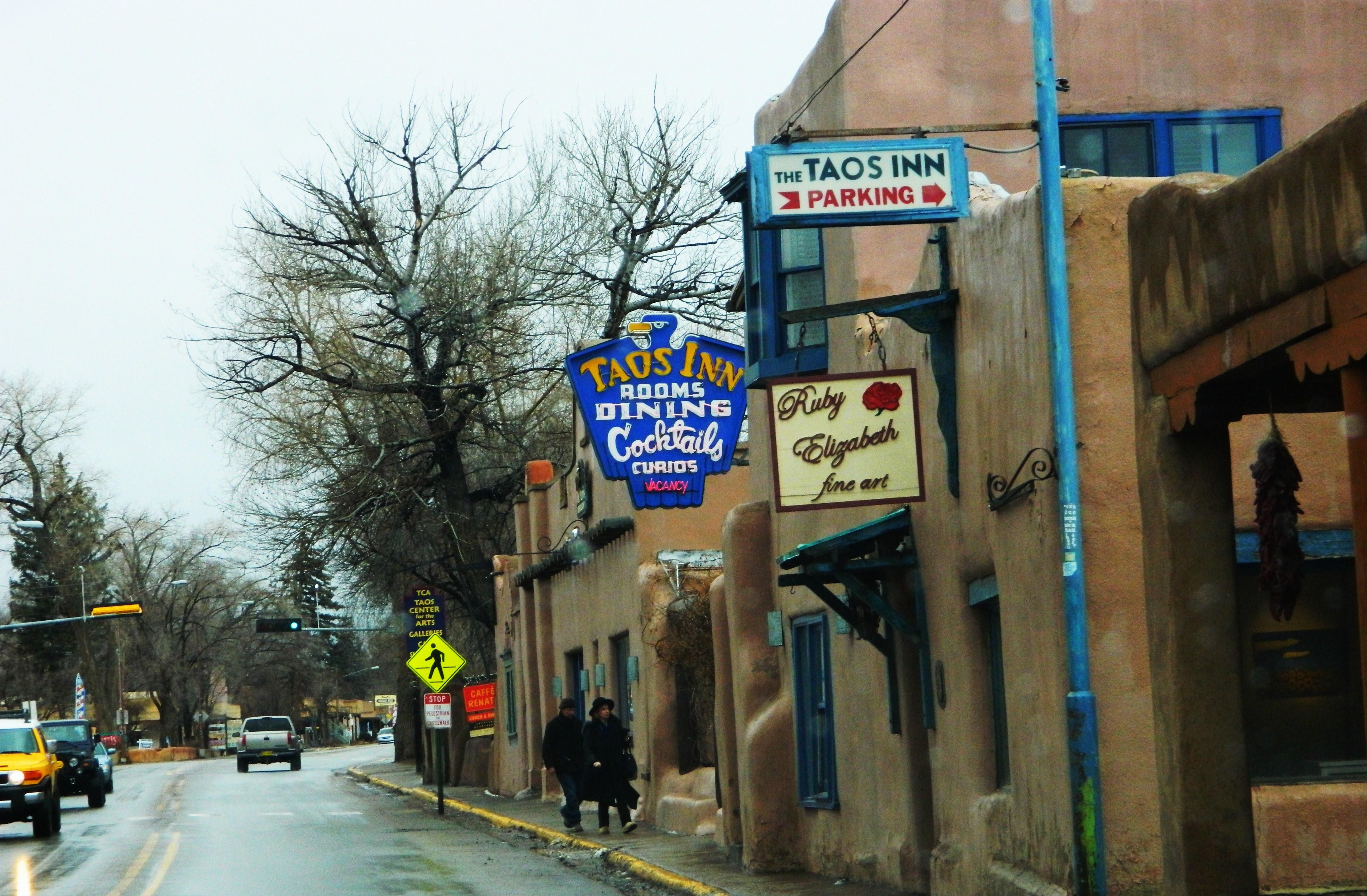 Taos Inn
