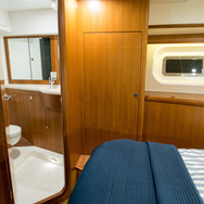 Kraken 66ft Yacht Luxury Bathroom