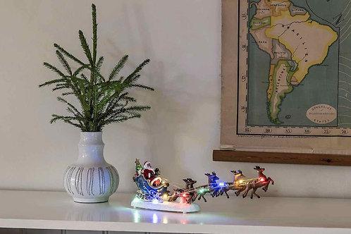 KS010 Santa in sleigh with reindeers