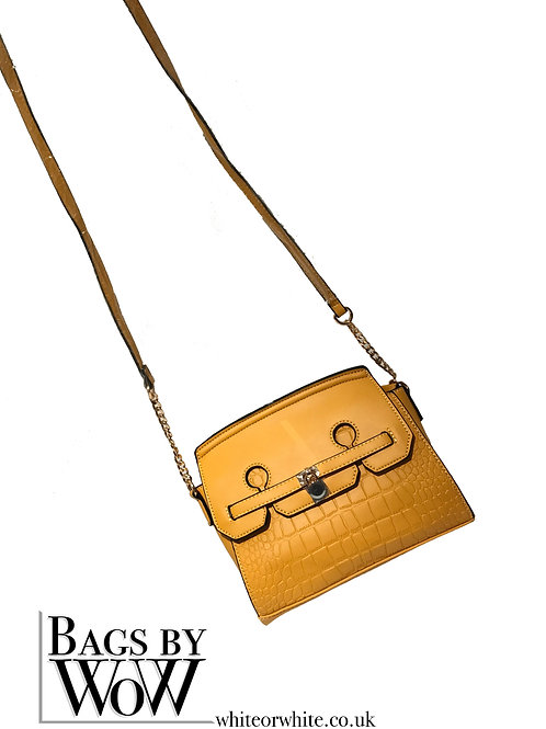 "B0023 ""Ness"" Shoulder Bag in Yellow"