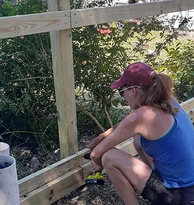 "<img src=""fence builder.png"" alt=""building a wooden fence in Katy"">"