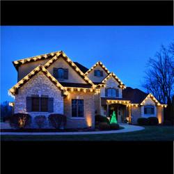 "<img src=""katy house.png"" alt=""basic house trimmed in Christmas lights"">"