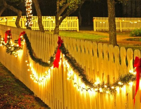 How To Decorate Your Katy Fence With Christmas Lights