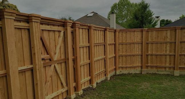 """<img src=""""cedarkickerboards.png"""" alt=""""cedar fence with kicker boards"""">"""