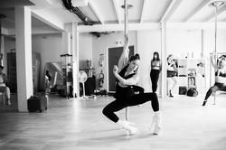 exotic dance flow empowerment pole dance studio 92 ile de france rueil fitness