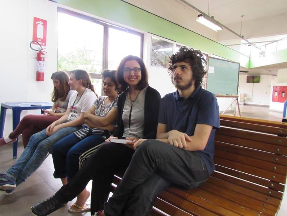 professora Fani Adorne presente nas oficinas da ocupação