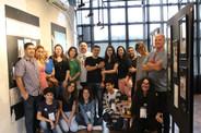 artistas, familiares e equipe da Galeria presentes no encerramento da exposição