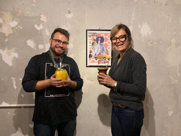 professor William Moreno e professora Stefanie Moreira, gestora do espaço