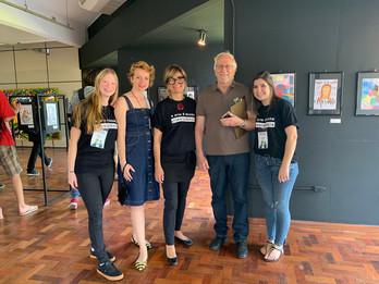 avaliadores técnicos Jéssica Becker e Moacir Becker junto com integrantes da organização do IV Encontro, Ana Wolf, Stefanie Moreira e Flávia Fraga