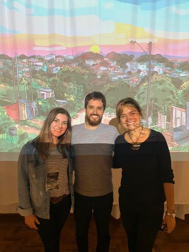 artista Pablito Aguiar, Flávia Fraga, integrante da equipe de produção, e Stefanie Moreira, gestora da Galeria Experimental