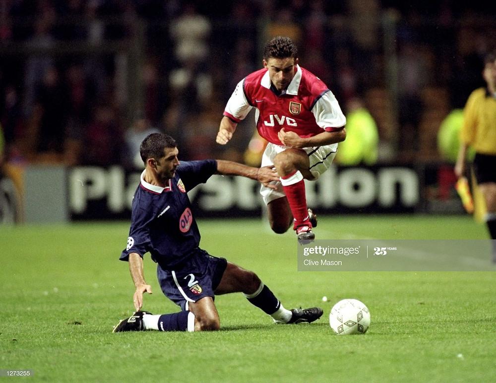 Eric Sikora lors de Lens-Arsenal en 1998 (Crédit : GettyImages)