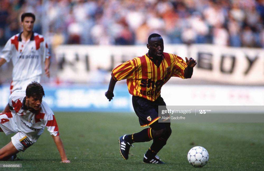 Roger lors d'un derby contre Lille en 1994 (Getty Images)