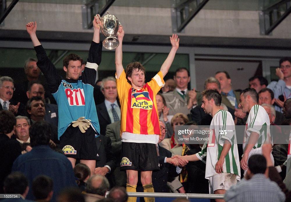 Réginald Becque avait soulevé la Coupe de France avec Mickaël Landreau, capitaine du FC Nantes (Crédit : GettyImages)