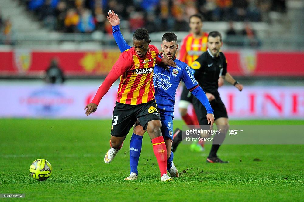 Wylan Cyprien avec Lens en Ligue 1 face à son futur club, l'OGC Nice - Getty Images