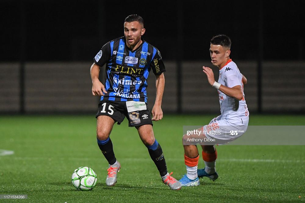 Marvin Martin face au Lorientais Enzo Le Fée - 2019-2020 - Getty Images