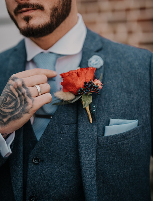 Modern and Romantic Wedding In France