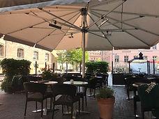 Hyggelig stemning under Glatz Palazzo parasol