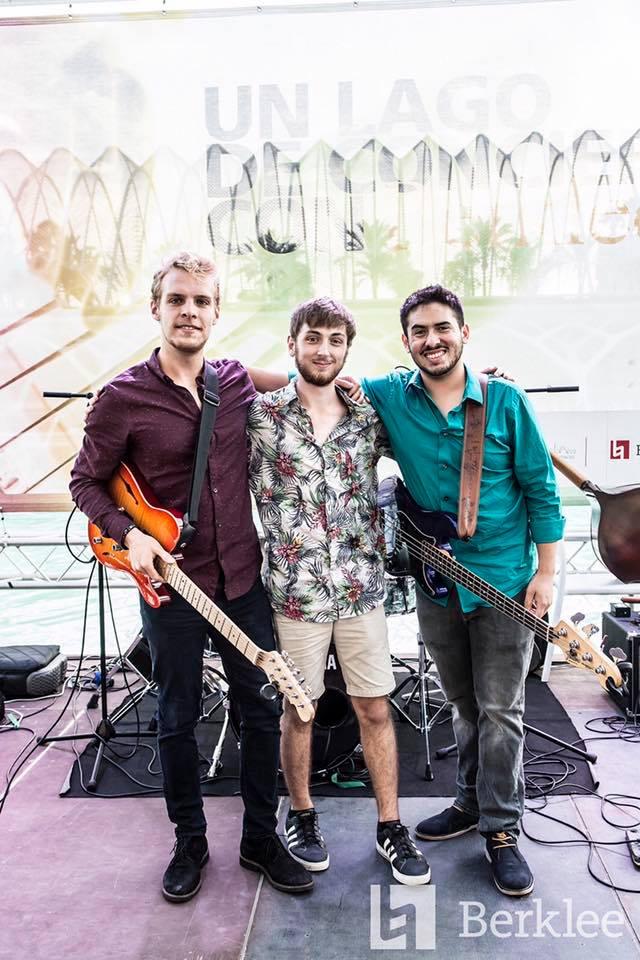 Super Nova Trio Medium