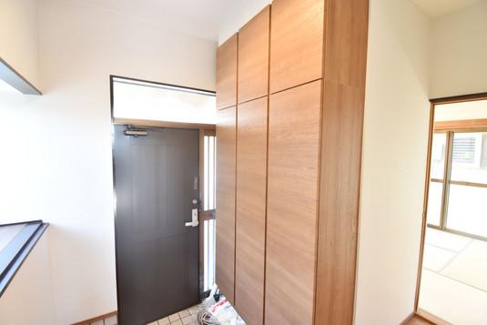 玄関3.jpg