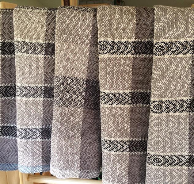 Towels in neutral tones