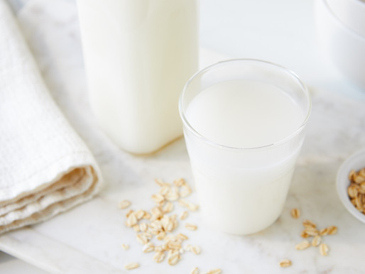 Grab A Glass—How to Make Homemade Oat Milk