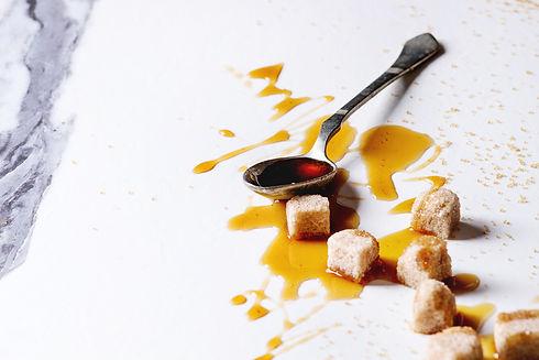 liquid-sugar-caramel-6D4VHQ7.jpg