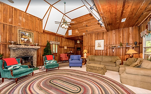 Living room at Providence Lodge and Gallery