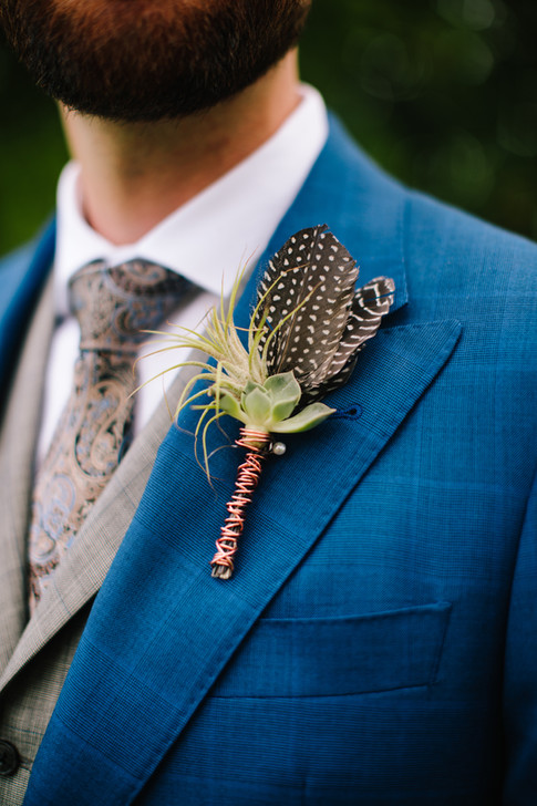 Airplant Boutonniere