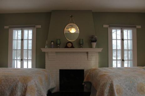 Manor-Sage_Clarity-Bedroom