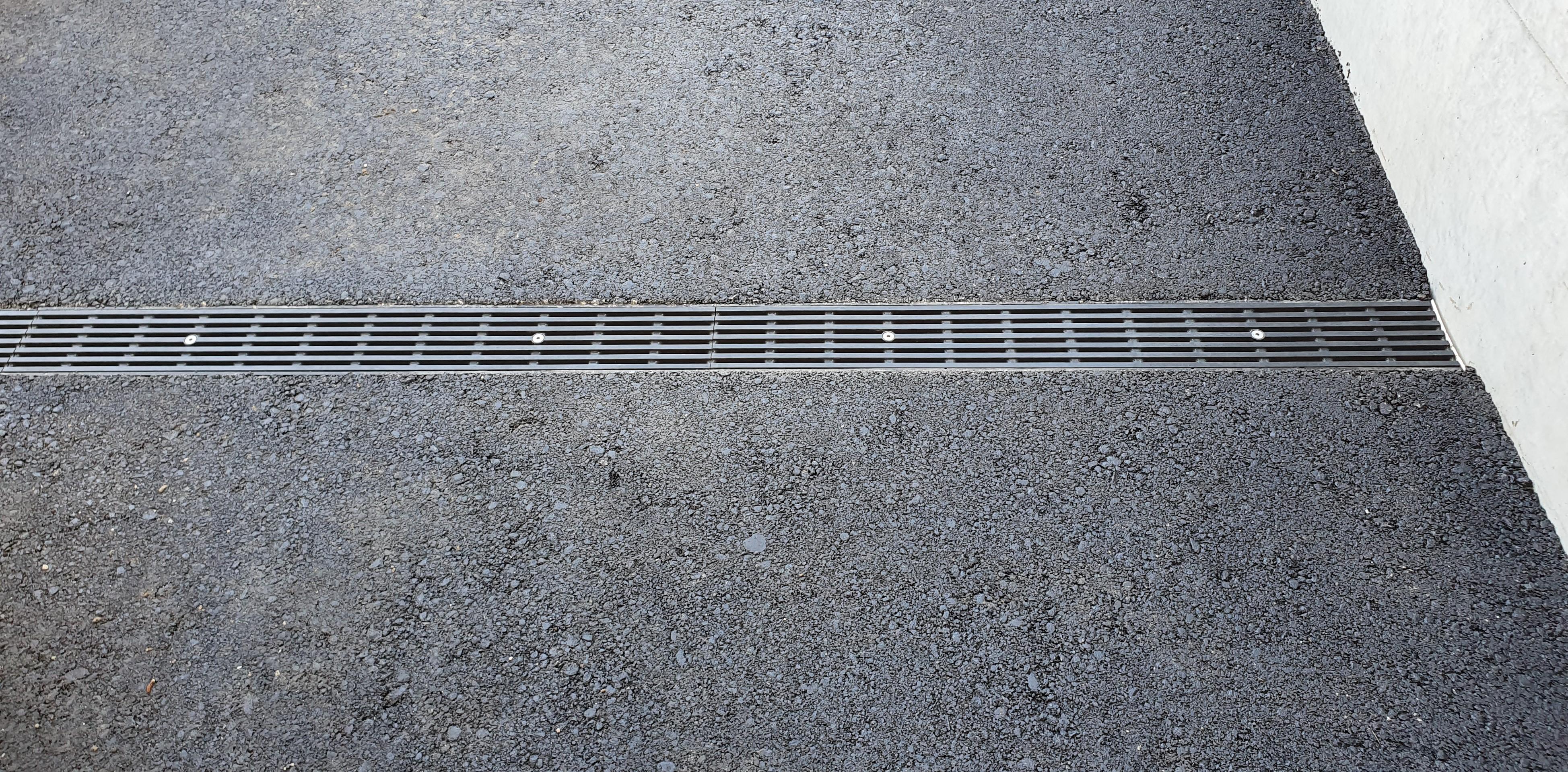 100 V-Line mit GFK Rost (Baustelle Eigen