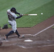 800px-George_Springer_hitting_the_ball_e