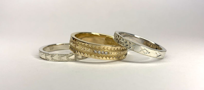 Custom made Pacific jewellery hand engraved with Pasifika patterns and motifs. Gold & diamond polynesian wedding rings by the Samoan Jeweller.