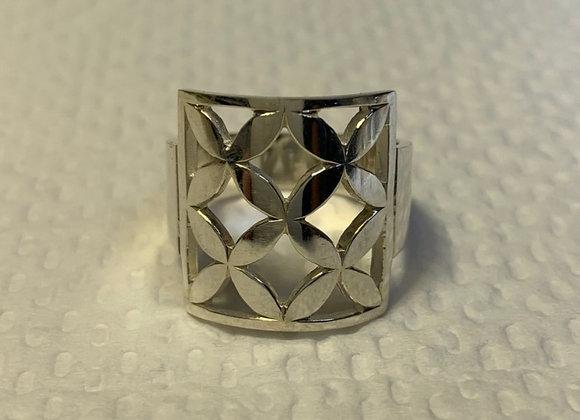 Repeating Frangipani Ring