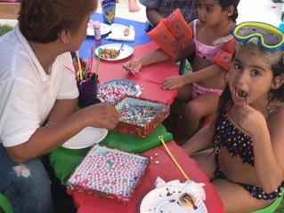 How to Keep the Kids Entertained at a Summer Holiday party