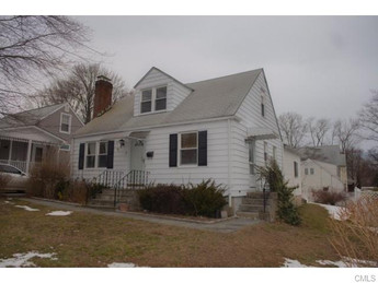 14 Sunset Street, Stamford, CT 06907