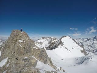 PICO ALGAS (3.036 m) con esquís