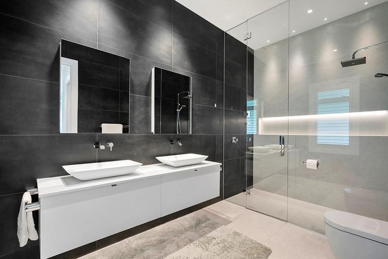 81B Reading St Bathroom.jpg