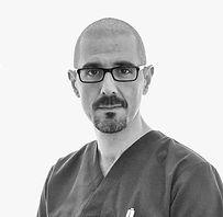 Dr.Taddei-Modifica1_edited.jpg