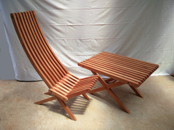 Chaise extérieure et sa table