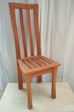 Chaise cintrée