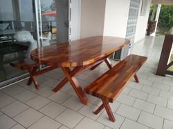 Table et bancs en lamellé collé